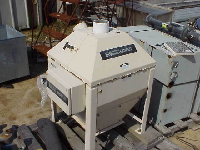 Pennwalt Iscaflo Weigher model QU-70. Supply pressure 85-100 psig. Regulator setting 80 psig. Pneumatic operated.
