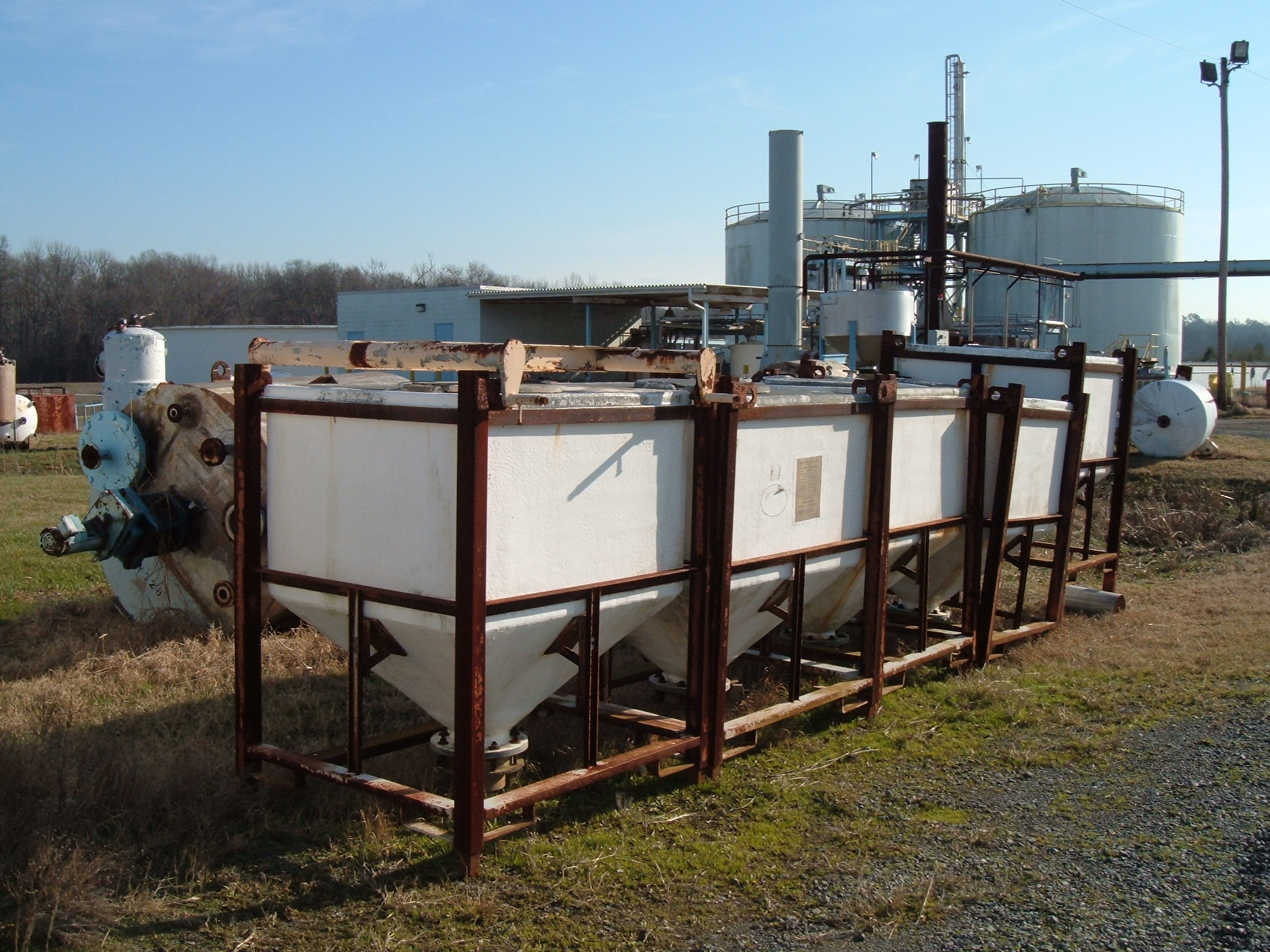 Qty (3): 4'w x 3 1/2'w x 4 1/2't cone bottom hoppers/ tote tank, 2' manway, 8