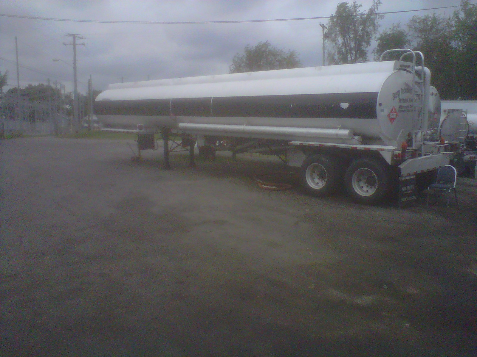 used 9000 Gallon Heil Tanker Trailer. Aluminum, road ready, 5 compartment, Vapor Recovery System, 45\'. This tanker is in excellent condition .