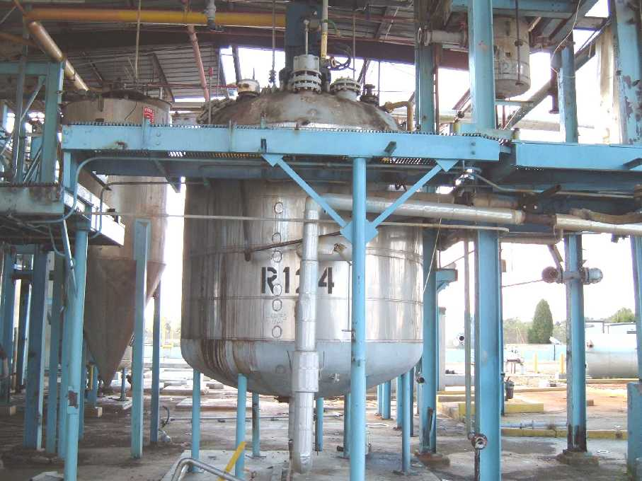 3000 Gallon Glass Lined Carbon Steel. 20 HP, 256TD, 25:1 ratio, 97 RPM output, Pfaudler drive. Quoted AIWI, Rock Hill, SC