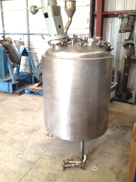 used 150 Gallon Reactor built by LEE. 316L Stainless steel Rated 30/FV @ 338 Deg.F. internal. 304 Stainless Steel Jacket rated 100 PSI @ 338 Deg.F. 3\' dia. x 3\' T/T. Sanitary Construction. Has Lightnin Explosion Proof Agitator model XJSS-30, with .3 HP, 1725 RPM, 200-240/400 volt XP drive. . Approx. 7\'5\