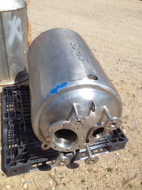 used 60 gallon Reactor vessel. Mfr. Roben.  Rated 60 PSI @ 100 F internal and 75 PSI @ 100 F. jacket.  2' dia. x 3' T/T. No mixer included.