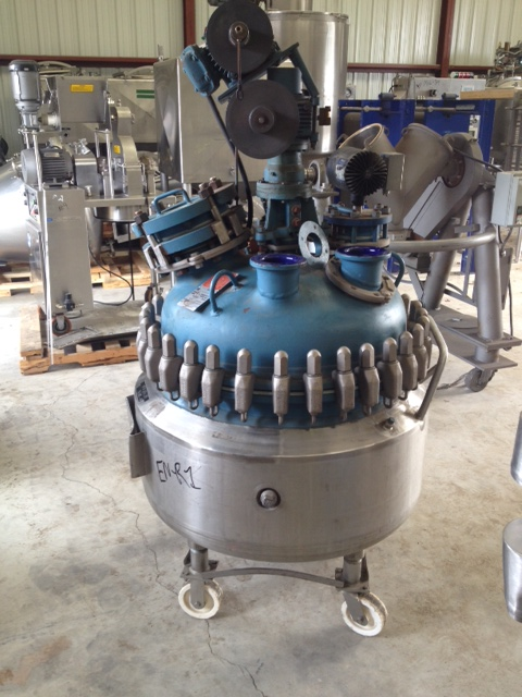 used 50 Gallon, Pfaudler Glass Lined Reactor. Rated 100/FV @ 450 Deg.F. Internal and 95 PSI @ 350 Deg.F Jacket.  Clamp-on top. Has 2 HP, 230/460 volt Pfaudler model DWV50210AKC, 117 RPM, size 2.5 drive. Includes baffle. approx. 45
