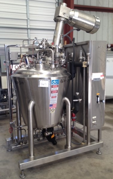 Used DCI 100 Gallon (370 L) Sanitary reactor. 316L Stainless Steel, Vertical. 36
