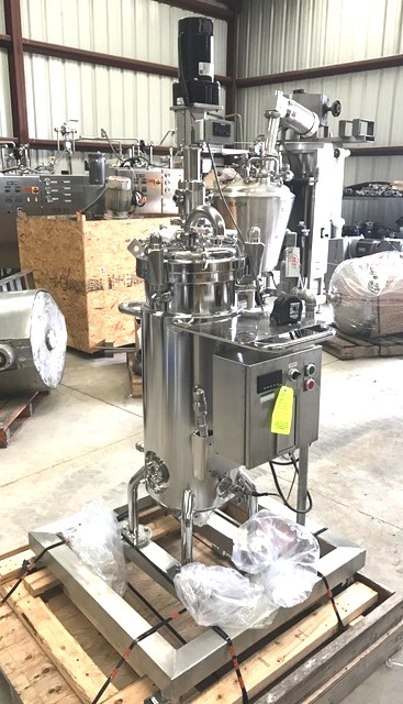 15 gallon (60L) 316L Stainless Steel Reactor. Pharmaceutical, sanitary reactor built by Pope Scientific/Alloy Fab. Rated 50 PSI @ 300 Deg.F. Internal and Jacket.  Top mounted 1/4 HP, 130 volt vari-speed mixer. Mounted on casters. includes bottom valve and NovaSeptum sampling port. Unit is in Excellent condition.