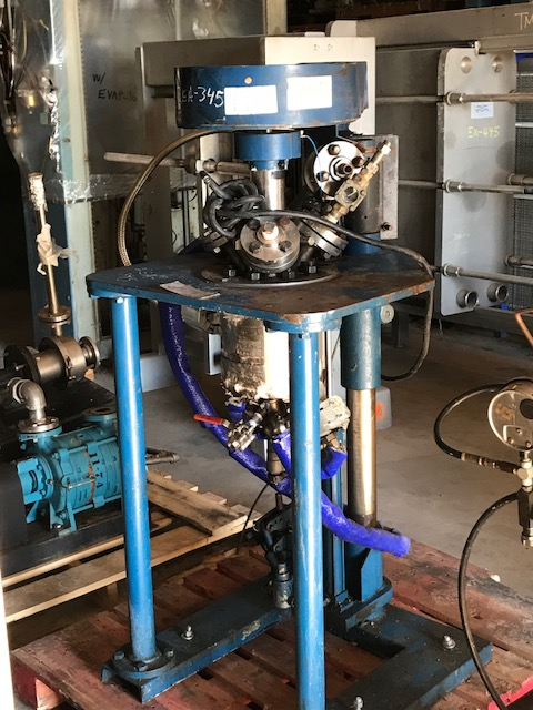 used approx 0.5 Gallon (2) liter Pilot Plant Reactor. Stainless Steel. Built by Autoclave Engineers. Rated 200/Full Vacuum @ 662 Deg.F. and -20 both internal and jacket. Stainless Steel contact parts. Approx 5