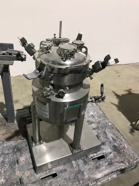 ***SOLD*** used 5 Gallon (20L) Sanitary Construction Stainless steel DCI reactor. Rated 45 PSI @ 302 Deg.F Internal. Jacket rated 120 PSI @ 350 Deg.F.. S/N 98PH59198