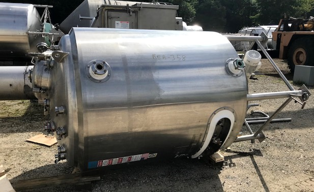 used 2500 Liter (660 Gallon) Sanitary Stainless Steel Reactor Vessel built by DCI. 316L Stainless Steel Shell Rated 60/FV @ 350 Deg.F.  Jacket Rated 90 PSI @ 350 Deg.F.  54