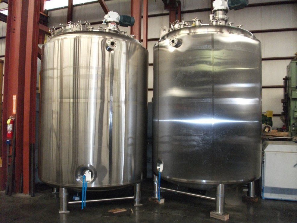 2600 Gallon (10,000 liter) Precision Stainless Sanitary Pharmaceutical Reactor. 316L Stainless steel shell rated 54/Full Vacuum @ 338 Deg.F internal. Inconel jacket rated 100/FV @ 338 Deg. F. Top mounter 5 HP, 230/460 volt, 1750 rpm, 3 ph Explosion Proof mixers with Winsmith speed reducers. Approx 150