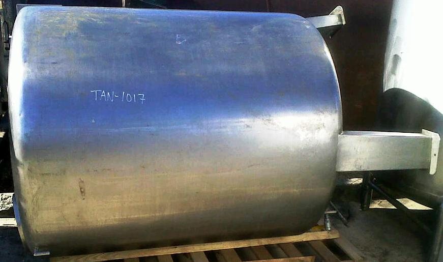 ***SOLD*** used approx. 600 gallon stainless steel tank.  4'6