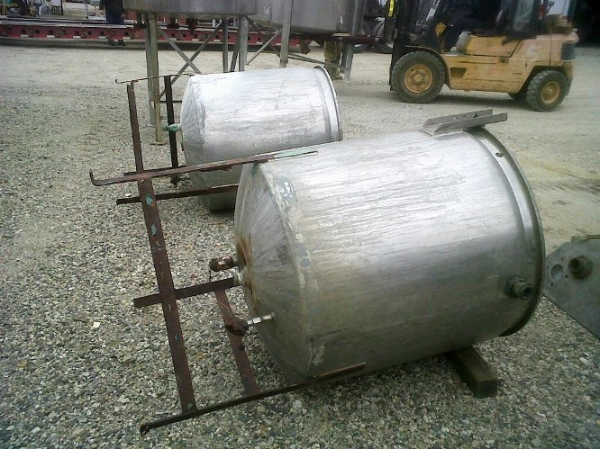 165 gallon LEE jacketed kettle, stainless steel.  Jacket rated 15 PSI @ 250 degF.  2