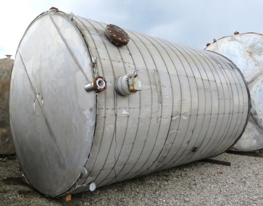 Used 9,000 Gallon Stainless Steel storage tank. 10' DIA. X 16' Straight Side.  Cone top, Flat bottom.