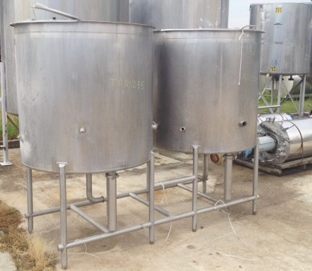 used 300 Gallon Walker CIP (Clean in Place) tanks. (Price includes both 300 gal tanks)  Model CIP.  3'9