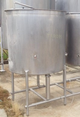 used 300 Gallon Walker CIP (Clean in Place) tank. Model CIP.  3'9