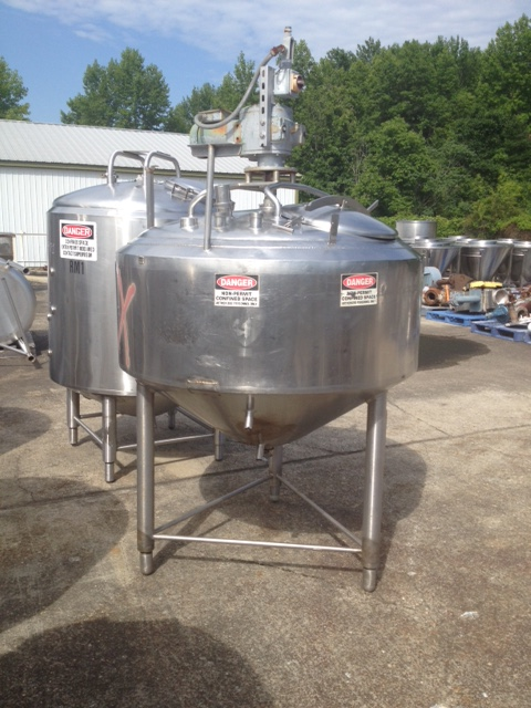 ***SOLD*** 220 Gallon Crepaco Jacketed Mix tank. Top mixer with scraper blades. Mixer motor is 1.5 HP, 1725 rpm, 230 volt.   Approx. 4'2