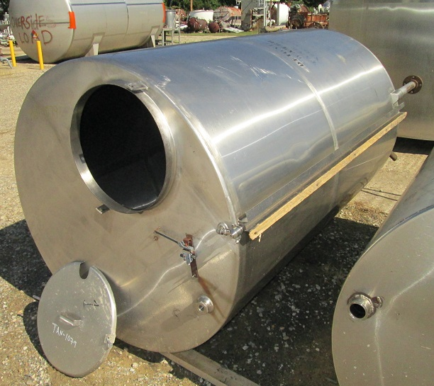 ***SOLD***used 850 Gallon Stainless Steel tank. Cone Bottom, Flat top with manway. 4'6