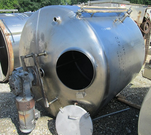 used 1100 Gallon Stainless Steel Mix Tank. 3 HP, 230/460 volt, 1725 rpm mixer drive into gear box with 48 RPM output. Slope bottom, Dish top with manway. 6' Dia. x 5' T/T.  Last used in Distillery.