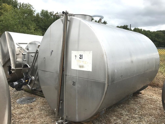 used 3000 Gallon Stainless Steel Horizontal tank built by Perma-San. 7'1