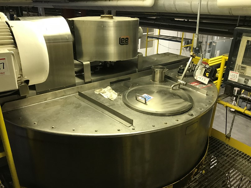 used 2500 Gallon LEE model 2500U9MS Jacketed, Double Motion Mix Kettle/Tank with Scraper blades. Jacket rated 100 PSI.  Has 25 HP Vari-Speed Drive.