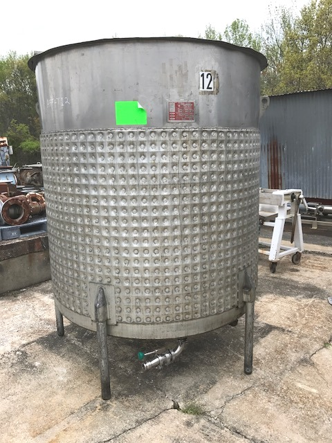 ***SOLD*** 1000 gallon Sanitary Jacketed Mix Tank.  Built by Will-Flow.  Open top and Slope bottom. Jacket on side and bottom Rated 55 PSI @ 300 Deg.F.. Mixer is Clamp-on Lightnin model XJ-230, 2.3 HP, 208-230/460 volt, 1725/1425 rpm into gear reducer with 5'2