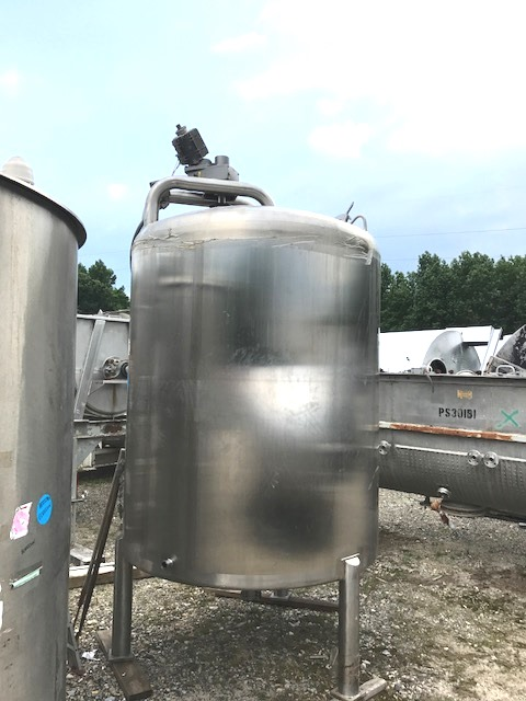used 1000 Gallon Walker Sanitary Stainless Steel Mix tank. Dish top and Bottom. approx. 5'4