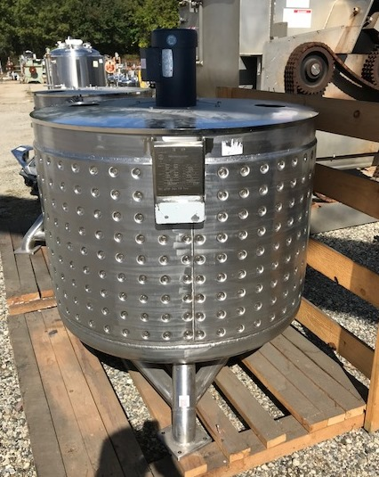 ***SOLD*** used 158 Gallon (600 Liter), total volume approx. 190 gallon Jacketed Sanitary Stainless Steel Tank/Kettle. Built by Stainless Technology. Jacket rated 60 PSI @ 200 Deg.F. Open top with lid and 1.5 HP, 1740 rpm, 208-230/460 volt, fr. G145TC mixer motor (no shaft). Dish Bottom. 2