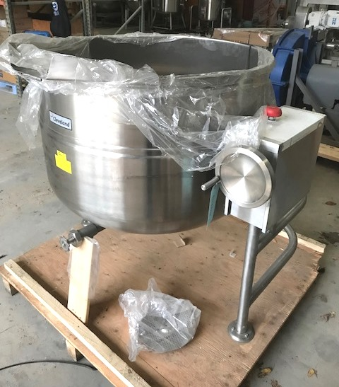 ***SOLD*** UNUSED 125 Gallon Cleveland Kettle model KDL-125-T. Direct Steam Tilting Kettle. Has center bottom outlet and spout for tilt discharge. Jacket rated 35 PSI @ 281 Deg.F.. Stainless Steel Sanitary construction.