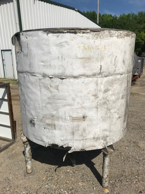 used 600 Gallon Hamilton Stainless Steel Tank. Cone bottom and open top. 5' dia. x 4' T/T.  76