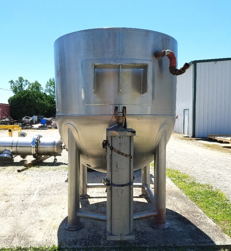 used 1000 Gallon LEE Triple Motion Jacketed Mix Kettle. Unit has Counter Rotating Scraper blades and a High Shear mixer.  Jacket rated 90 PSI @ 332 Deg.F.. Model 1000D12T. NB 9686. Has Tilt-out mixer with actuator assist.