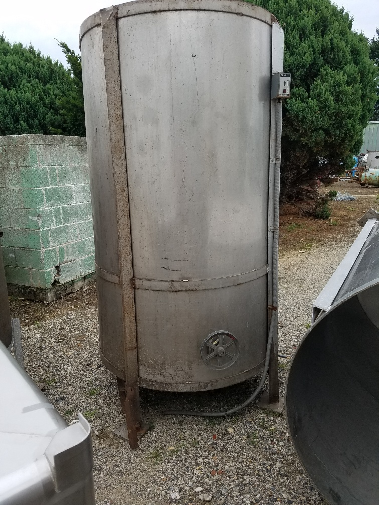 used 500 gallon stainless steel tank.  Has side entering mixer (no drive).  47