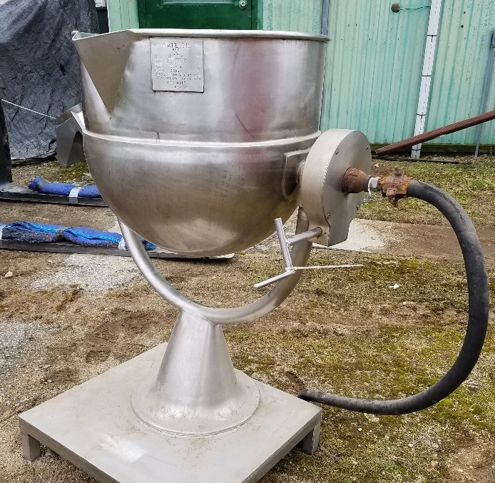 used approx. 30 gallon stainless steel jacketed GROEN kettle, tilt kettle. 24