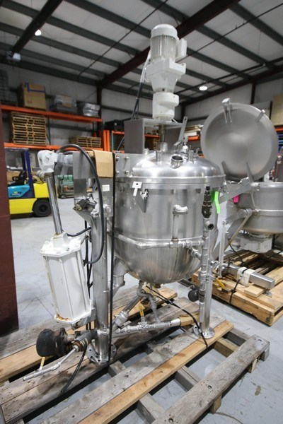used 125 Gallon Groen Jacketed Vacuum Kettle with Scrape Mixer. 316 Stainless Steel. Kettle, Model TA-125SP, S/N 38565-1, Jacket rated 90 PSI @ 388 Deg.F., Vessel MAWP 20 PSI @ 300 F, NAT'L Board: 135026. Top Mounted Motor. Has actuated assist lid removal. Approx 55