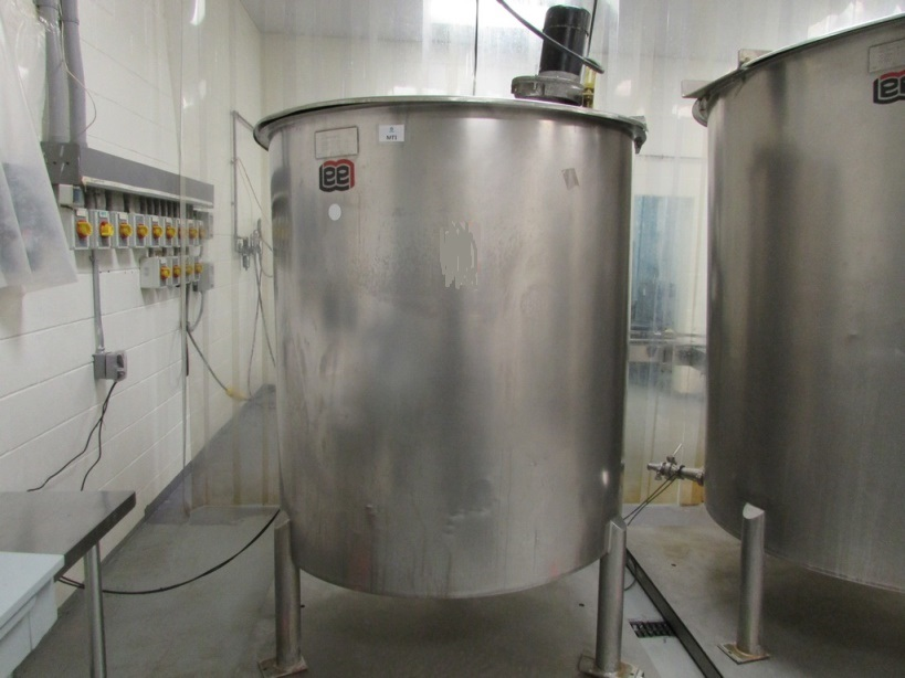used 500 Gallon Lee 500PBT Stainless Steel Sanitary Mix Tank. Open Top, Slant Bottom Tank with Stainless Steel Cover and Neptune JG-5.1 1.5HP Clamp On Electric Mixer with Stainless Steel Shaft and Prop. Serial Number B8173A. 4'6