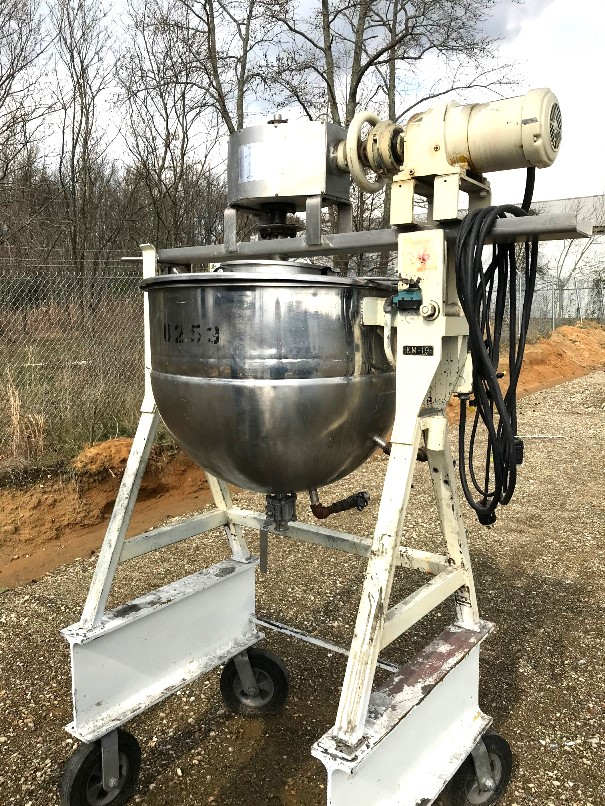 used 60 Gallon LEE Jacketed Kettle with Double Motion Scrap Agitation. Jacket rated 40 PSI @ 300 Deg.F.. NB# 1222. Briven by 1.5 HP, 230/460 volt, 1710 rpm motor into gear reducer with 84 RPM output. 1.5