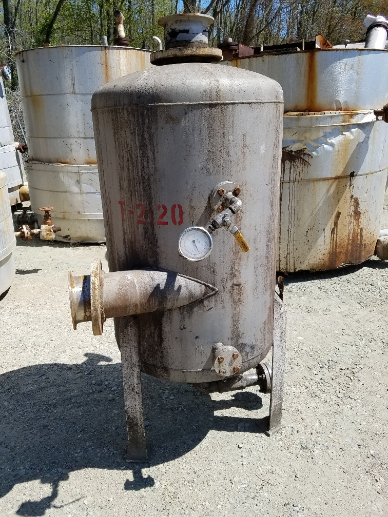 used 130 Gallon Stainless Steel storage tank, dish top, dish bottom.  Approx. 2'6