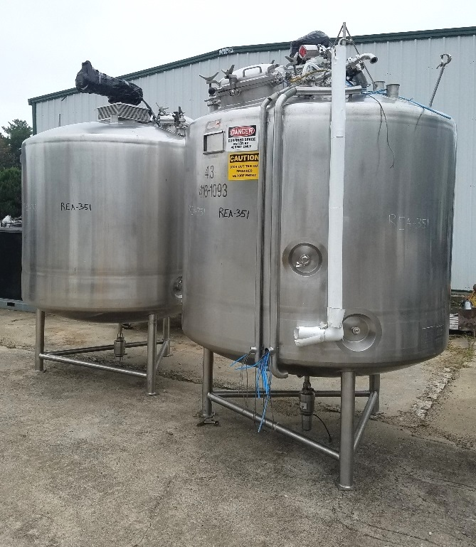 (2) used 1200 Gallon (4500 Liter) Sanitary Jacketed Mix Tanks. Built by JV Northwest. Shell is 316L Stainless Steel and rated 25 PSI @ 100 Deg.F. Jacket rated 50 PSI @ 100 Deg.F. Top mounted Cleveland model 991-665, 2 HP, 1725, 230/460 volt, 3 ph motor. Approx. 79