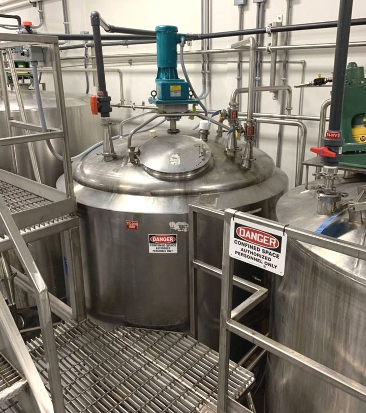 used 850 Gallon Crepaco Stainless Steel Jacketed Mix Tank. Jacket rated 75 PSI. Dish top and Cone Bottom. 5'8