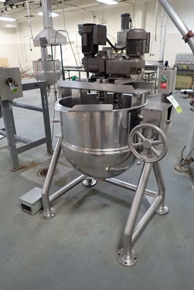 used GROEN 60 Gallon Stainless Steel Double Motion Jacketed Mix kettle with Tilt. Model DN/TA-60. Has sweep with scrapers and tree mixers. Jacketed rated 125 PSI @ 353 Deg. F. Stationary baffle for temperature probe with digital readout, SS legs, manual tilt. Last used in sanitary food plant.