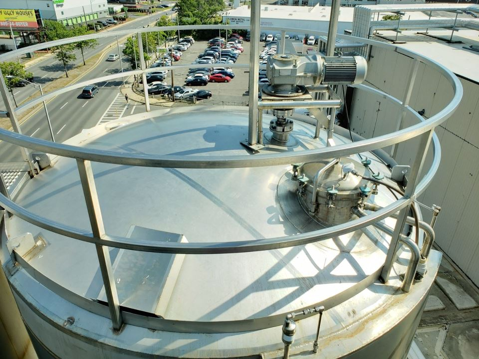 used Cherry Burrell 15,000 Gallon Stainless Steel Aseptic Jacket Vacuum Rated Mix Tank/Reactor.  Internal rated 60 PSI and Full Vacuum @ 350 Deg.F. with 150 grit Finish. Jacket rated 100 PSI @ 350 Deg.F.  Dimple Jacket. 11' Dia. x 20'3