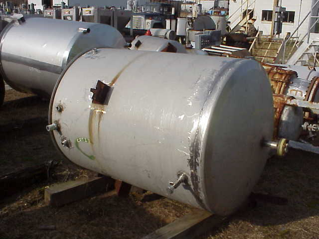 (1) 500 Gallon 304 Stainless Steel Tank.  Flat open top and dish bottom.  2