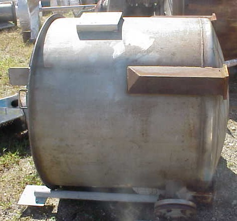 250 Gallon Stainless Steel Tank. Has bracket to mount clamp-on Mixer (Mixers can be purchased separately) with hinged cover. Openings: side- 1-2