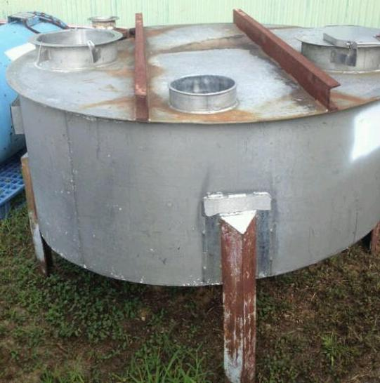 200 Gallon Stainless Steel.  5' dia. x 1'6