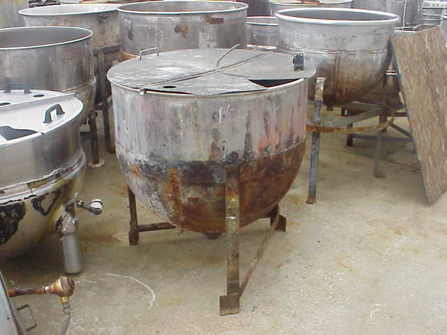 100 Gallon Stainless Steel Kettle. Jacketed Kettle. CS Jacket rated 40 PSI. Has 1.5\