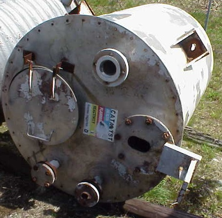 400 Gallon Stainless Steel Tank. Lug mount.  Openings:  Top- 18