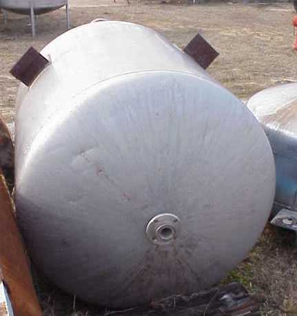 185 Gallon Stainless Steel Tank. Dish top and bottom. Lug mounted