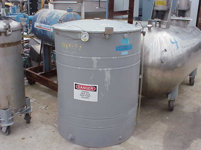 200 gallon Carbon Steel storage tank.  Flat bottom, open top with lift off lid.