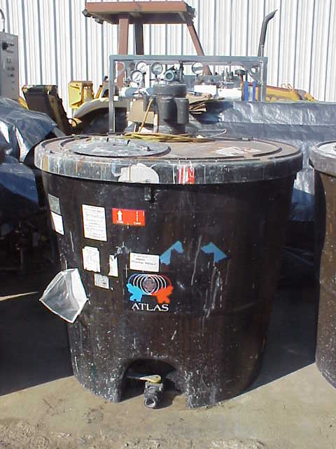 ***SOLD*** 360 Gallon Poly Mix Tank / Tote. 2