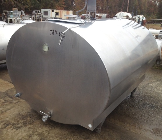 Item 800 Gallon Used Mueller Stainless Steel Tank With