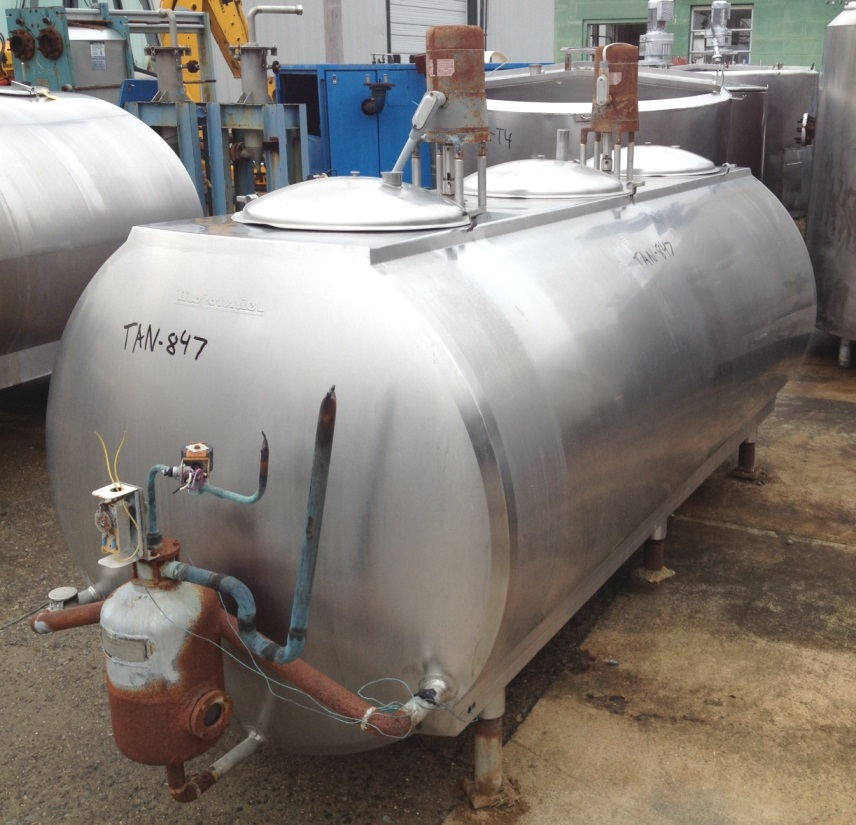 600 Gallon used Mojonnier Stainless Steel Tank with (2) Vertical Agitators and refrigeration jacket.  Model 600VC.  S/N 11610. Overall dimension approx. 4' w  x 11' lgth. x 5'8