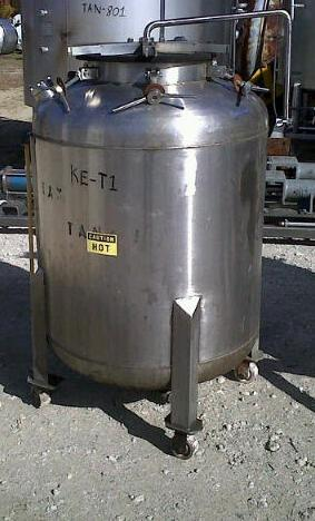 200 gallon stainless steel storage tank.  Has top mounted spray ball.  1.5